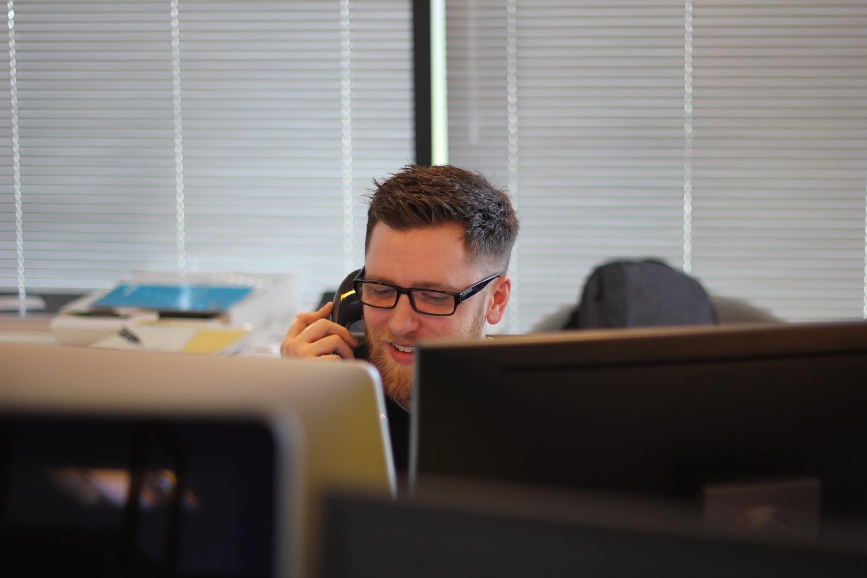 Hoe bestel je online een bouw en sloopafval container? - GoedkopeAfvalcontainerHuren.nl